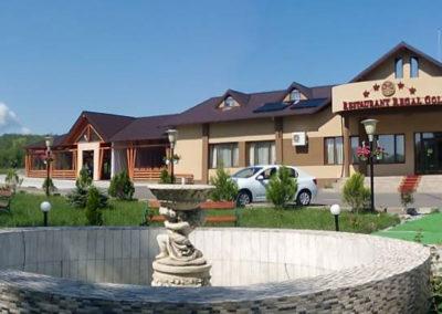 Fenster und PVC-Türen im Regal Gold Restaurant, Falticeni
