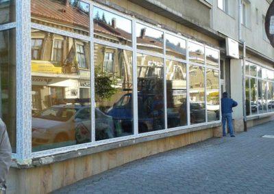 Montaj panou vitrina PVC spatiu comercial in Vatra Dornei